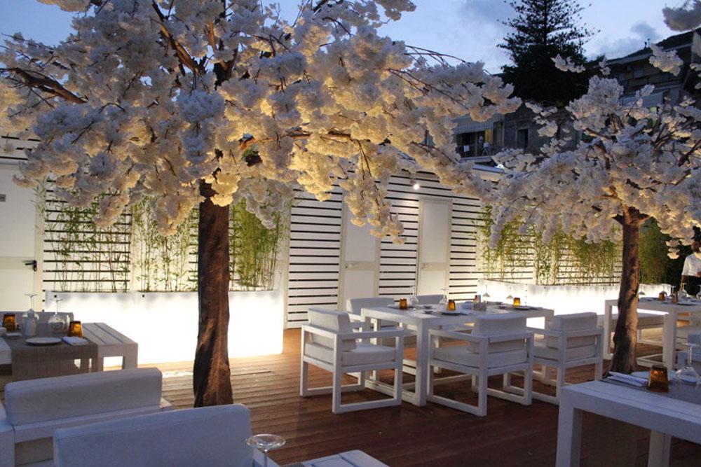 location sera sushi beach interior design district en rose