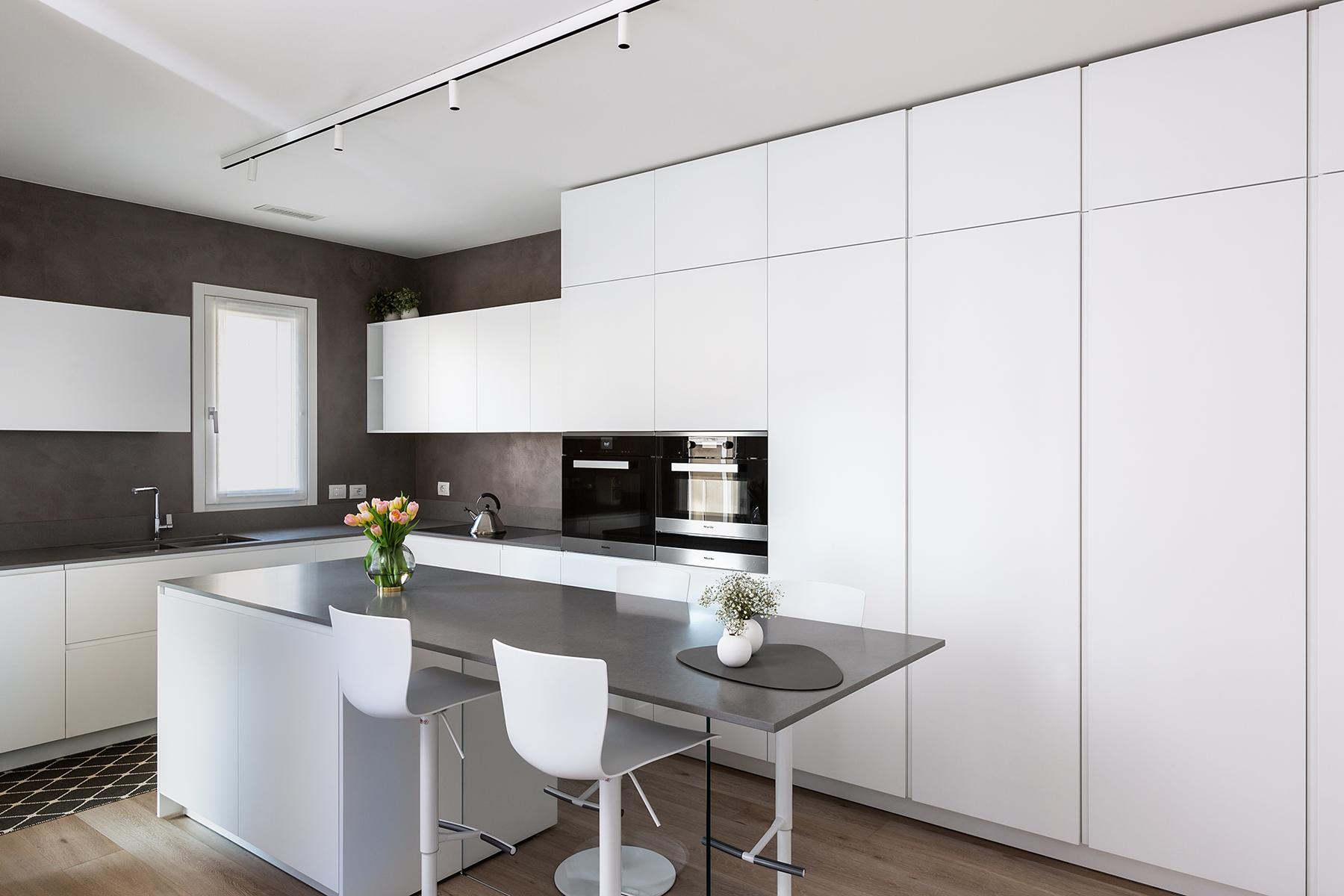 Casa di nuova costruzione a Milano_cucina