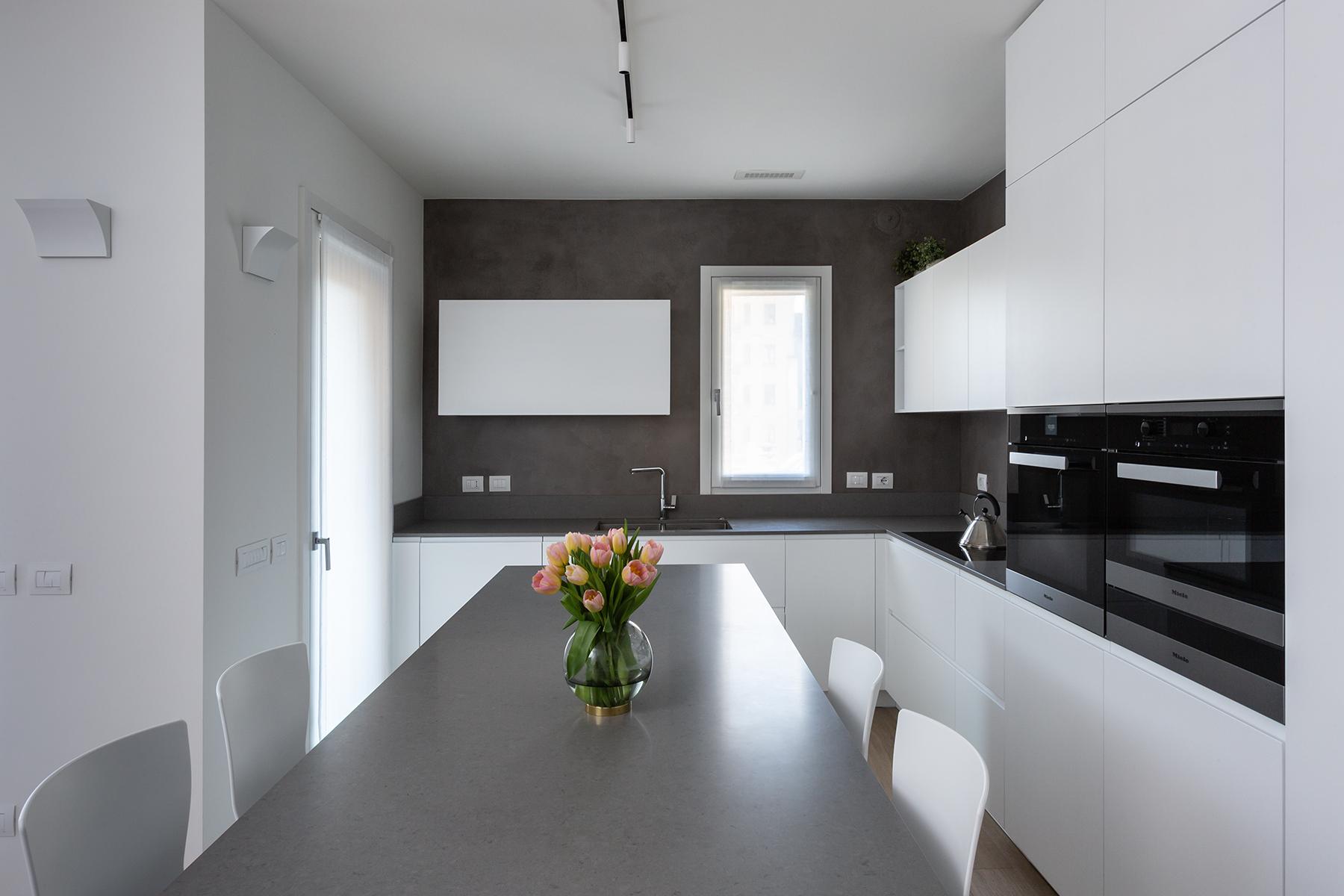 Casa di nuova costruzione a Milano_dettaglio cucina