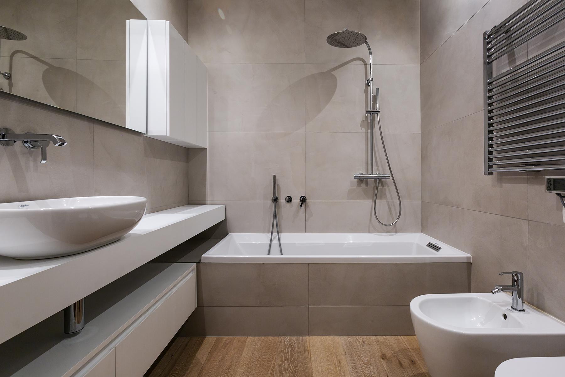 Casa di nuova costruzione a Milano_bagno padronale