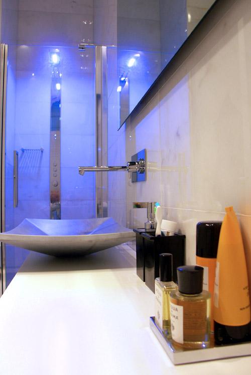 Ristrutturazione di una Casa di Design a Roma_dettaglio bagno